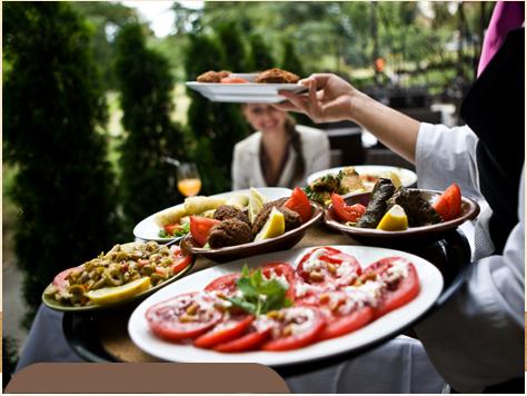 Servicii de catering pentru servire la masa