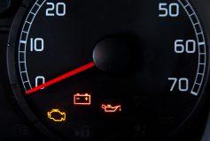 Ce faci cand se aprind luminitele in bordul masinii?