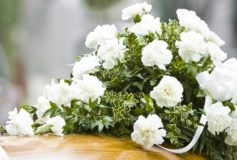 Cum sa realizezi o ceremonie de inmormantare ca la carte?