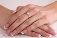 Review inel aur alb 18kt cu diamant in forma de inimioara